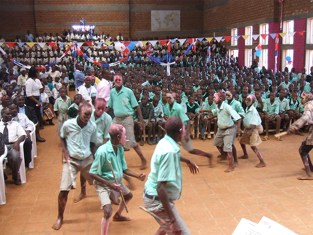 Dancing in the village of Nyumbani in Kenya, where Iberdrola has installed a solar farm that will provide electricity to 1,000 children